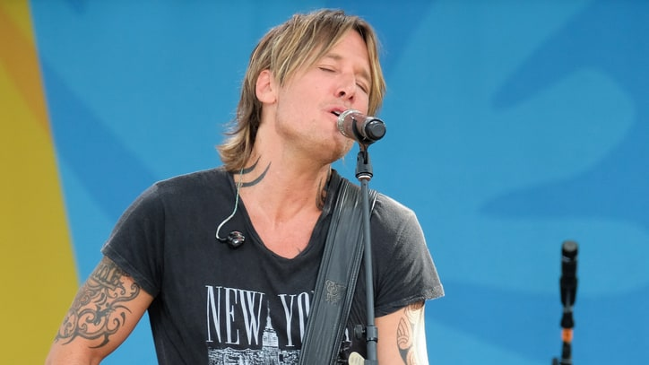 See Keith Urban Croon 'Blue Ain't Your Color' on 'GMA'