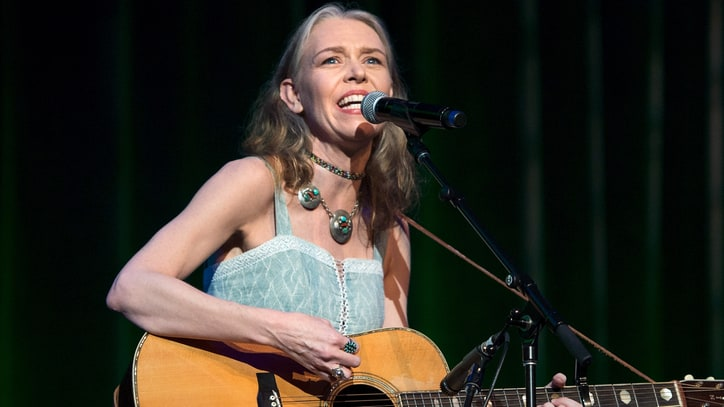 Watch Gillian Welch's Moody 'Dark Turn of Mind' Video