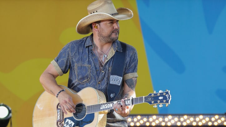 Watch Jason Aldean Sing Forlorn 'This Plane Don't Go There'