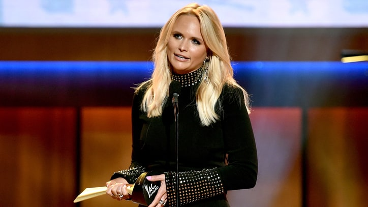 Miranda Lambert Salutes Merle Haggard at ACM Honors
