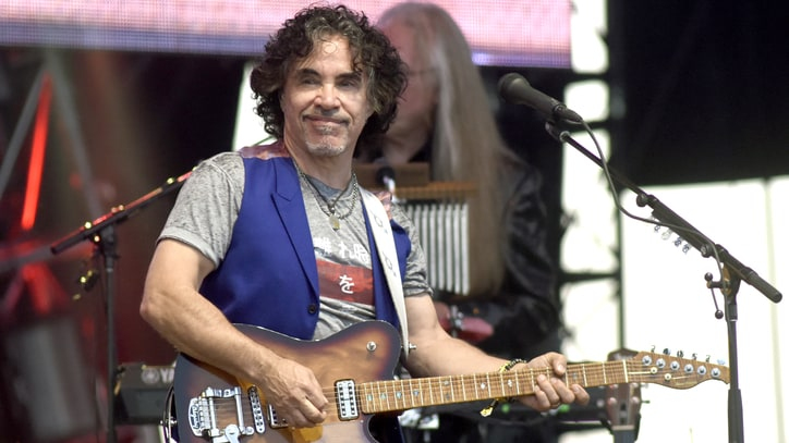 Hear John Oates and the Time Jumpers' Jazzy 'Santa Be Good to Me'
