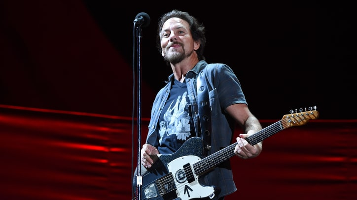 Eddie Vedder Donates $10,000 After Family's Christmas Plea Goes Viral