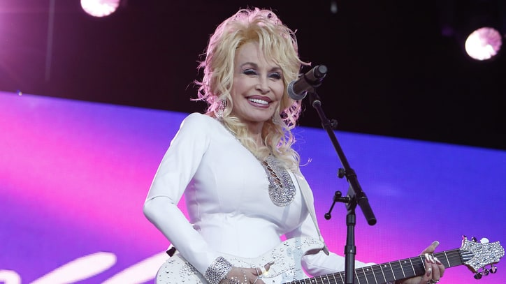 See Dolly Parton Play 'Dollywood Squares'