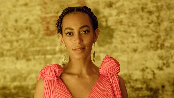 On the Charts: Solange's 'A Seat at the Table' Edges Out Bon Iver for Top Spot
