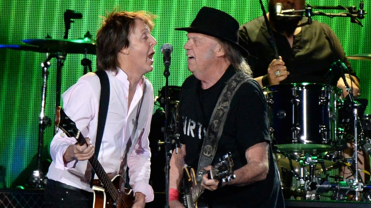 Watch Paul McCartney, Neil Young Play Beatles Classics at Desert Trip