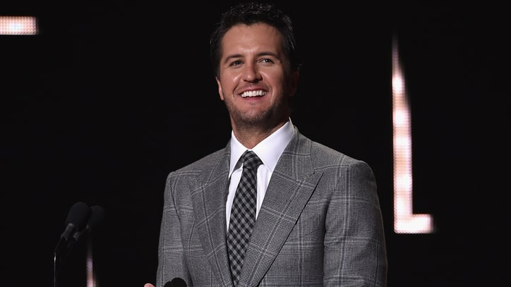 Luke Bryan Takes Fans 'Behind the Stadium Lights' for Massive Party