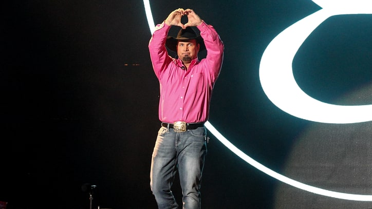 Garth Brooks Duets With Reba, Jason Aldean at Nashville Celebration