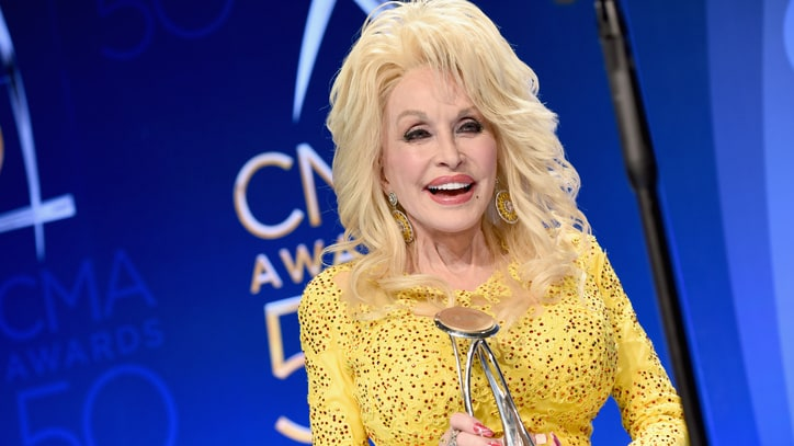 Dolly Parton Talks Lifetime Honor, All-Star Tribute at CMA Awards
