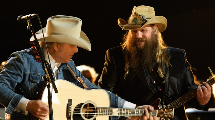 See Chris Stapleton Cover Willie Nelson, Ray Charles at CMA Awards