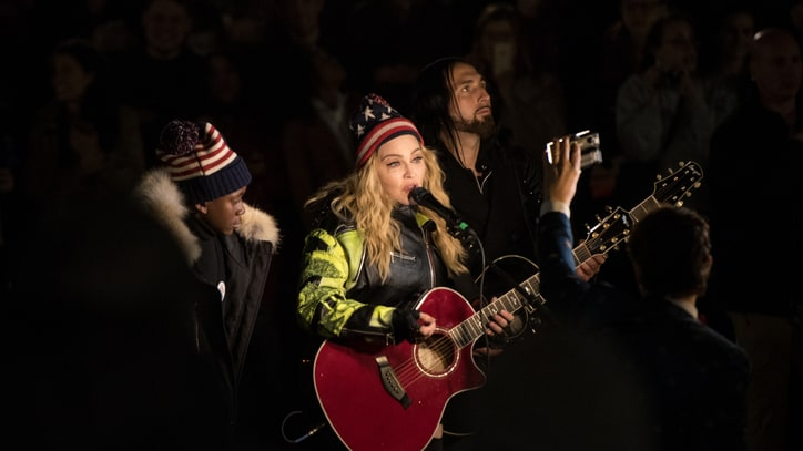 See Madonna Perform Acoustic New York Gig to Support Clinton