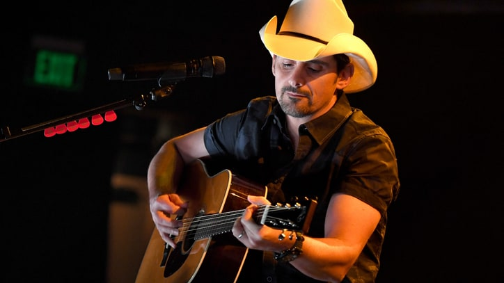 Brad Paisley Extends Life Amplified World Tour