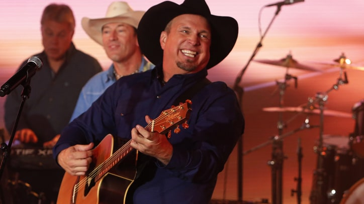 Watch Garth Brooks Write a Country Song with Jimmy Kimmel