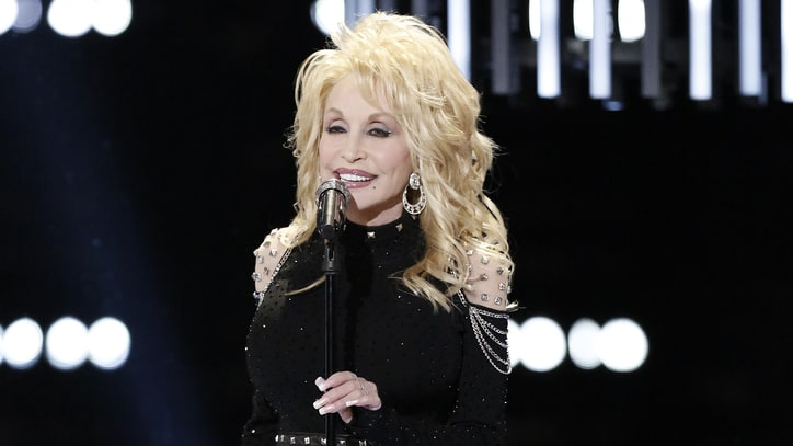 Dolly Parton Sings With Miley Cyrus, Readies New Christmas Movie