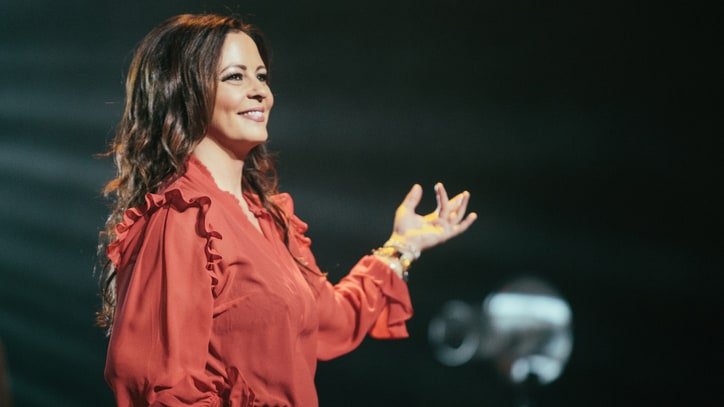 Sara Evans Emerges From Hiatus, Preps New Album 'Words'