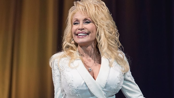 Flashback: See Dolly Parton Stand for Transgender Equality