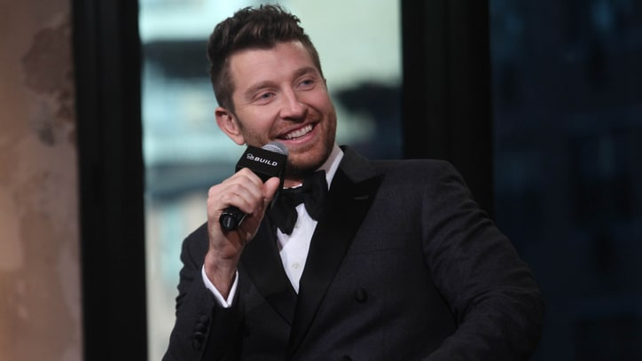 Watch Brett Eldredge's Swinging 'Let It Snow' on 'Live With Kelly'