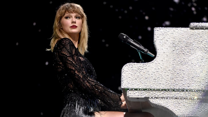 Taylor Swift's 'New Year's Day' Serviced to Country Radio