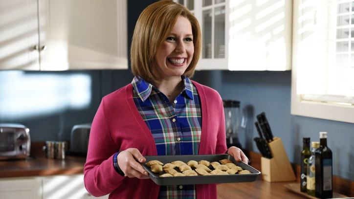 Vanessa Bayer to Exit 'SNL' Following Season 42 Finale