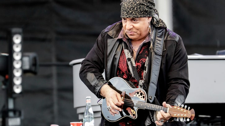 Hear Steven Van Zandt Revive 1977 Song Written With Bruce Springsteen