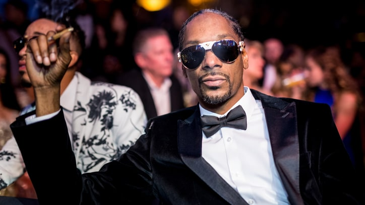 Hear Snoop Dogg's Strip Club Adventure in New Song 'Trash Bags'