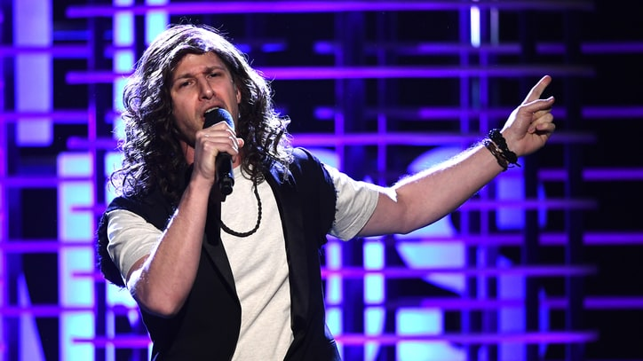 See Andy Samberg Impersonate Eddie Vedder at Spirit Awards
