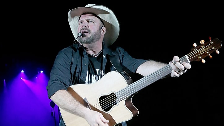 Garth Brooks Practices What He Preaches at Masterful SXSW Performance