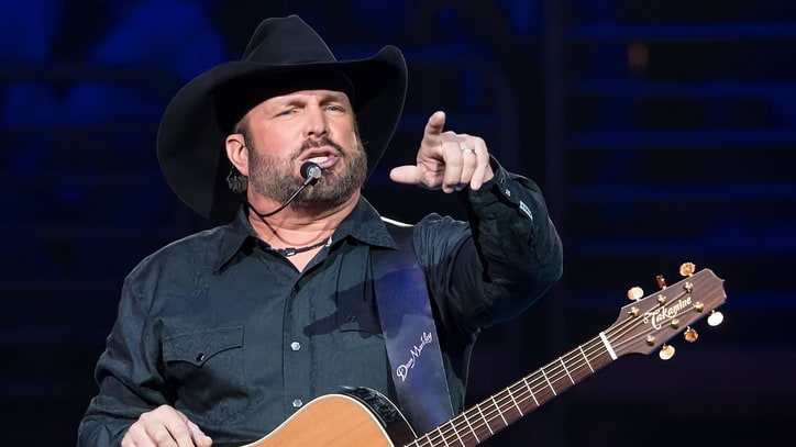 Garth Brooks Battles Audio Issues at Atlanta Stadium Opening Concert