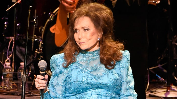 Loretta Lynn Cancels Concerts, Sets Fall Motorcycle Rally Appearance