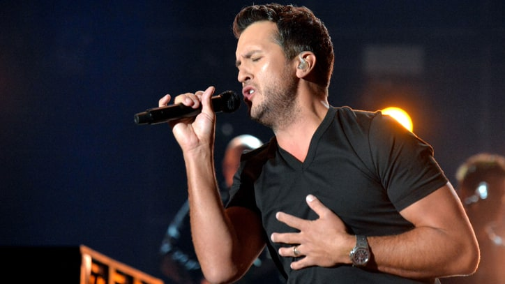 Luke Bryan Breaks 27-Year Chart Record With New Song 'Fast'