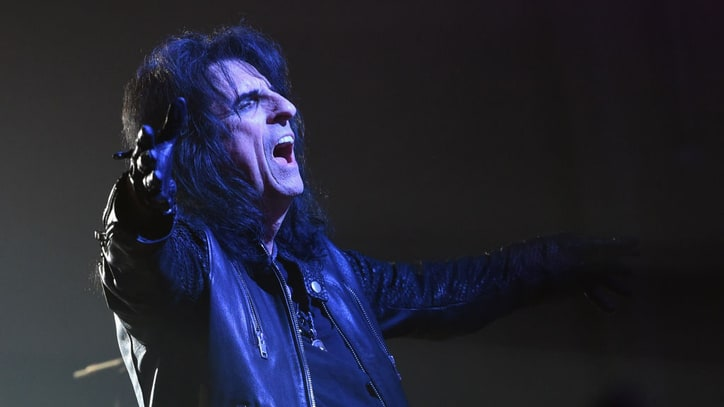 Alice Cooper Announces New Album 'Paranormal'