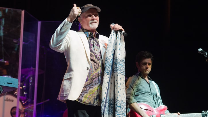 Hear Mike Love, John Stamos Recreate Beach Boys' Rousing 'Do It Again'
