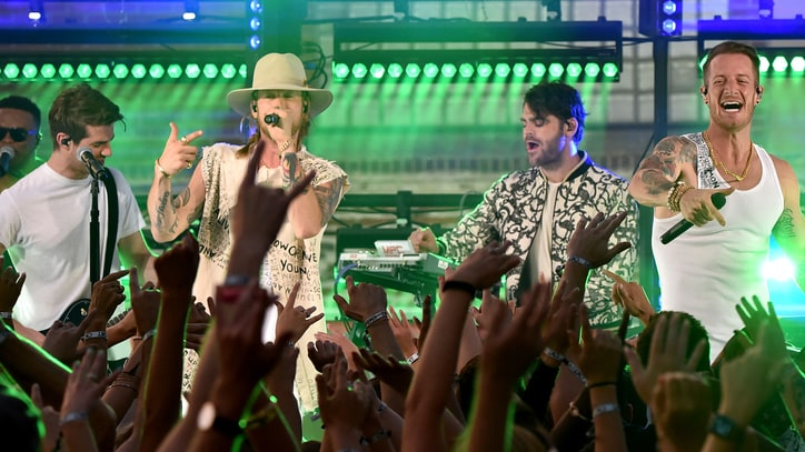 See Florida Georgia Line, Chainsmokers Throw Down at CMT Awards