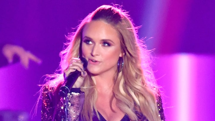 See Miranda Lambert's Sassy, Swaying 'Pink Sunglasses' at CMT Awards