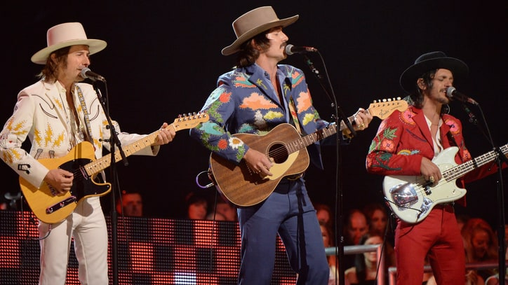 See Midland's Smooth 'Drinkin' Problem' on 'Kimmel'