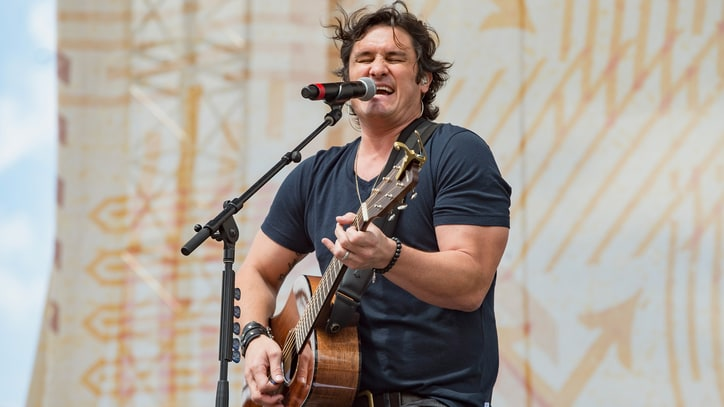 Hear Joe Nichols' Heartfelt New Song 'Never Gets Old'