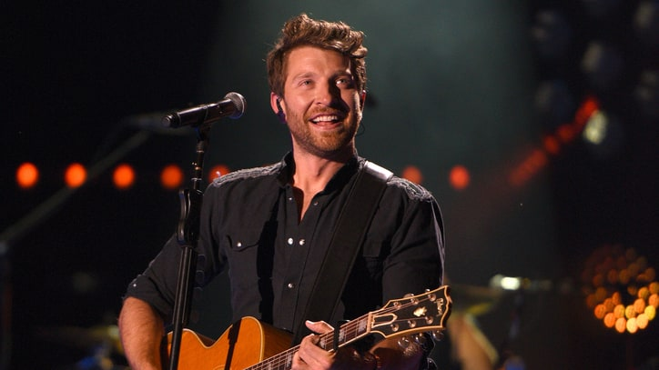 See Brett Eldredge's Breezy Live Performance of New Song 'Love Someone'