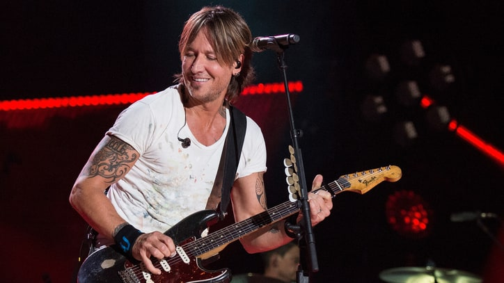 See Keith Urban, Frankie Ballard Swap Licks on Georgia Satellites Cover