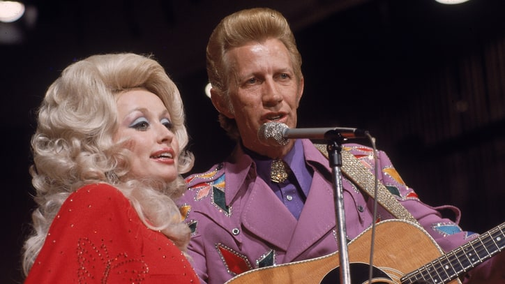 Flashback: See Dolly Parton, Porter Wagoner's Spooky 'Afraid of the Dark'