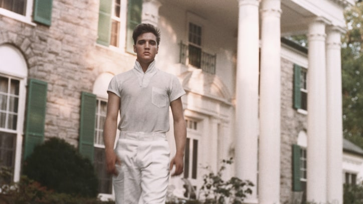 Protesters Sue Elvis Presley's Graceland Over Discrimination