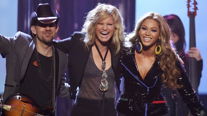 Flashback: See Beyonce and Sugarland's 2007 'Irreplaceable' Duet
