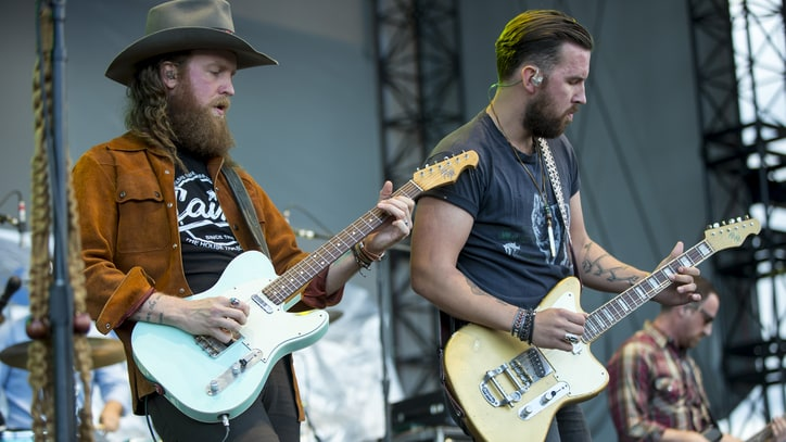 Watch Brothers Osborne's Gritty Cover of Don Williams' 'Tulsa Time'