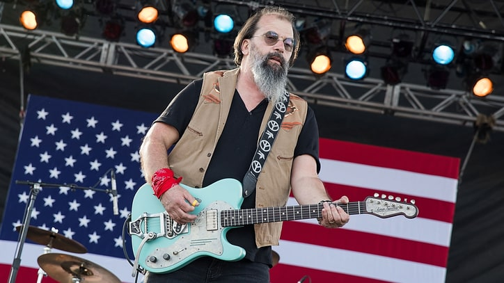 Steve Earle Talks Outlaws, Guy Clark and 'Fascist' Trump