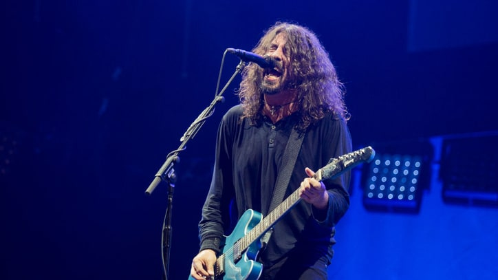 Watch Foo Fighters, Perry Farrell Perform Jane's Addiction's 'Mountain Song'