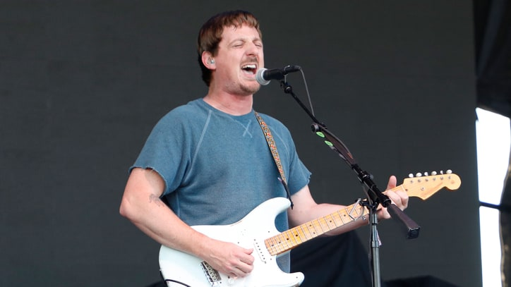 See Sturgill Simpson Sing Roy Orbison at Karaoke in Japan