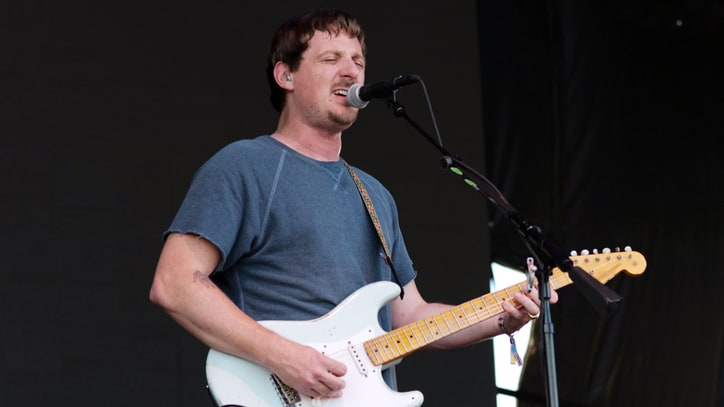 Sturgill Simpson Battles Illness, Cranks Up for Guns N' Roses