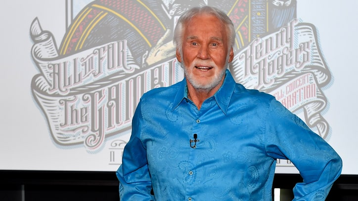 See Kenny Rogers Say Goodbye at All-Star Farewell Concert