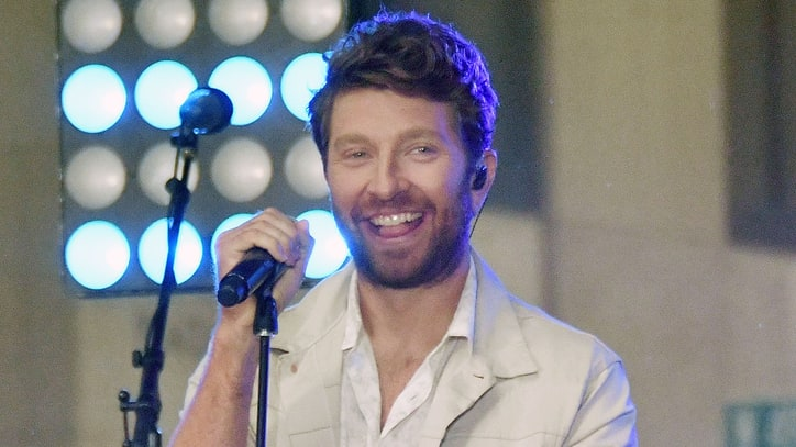 On the Charts: Brett Eldredge Debuts at Number One on Country Albums