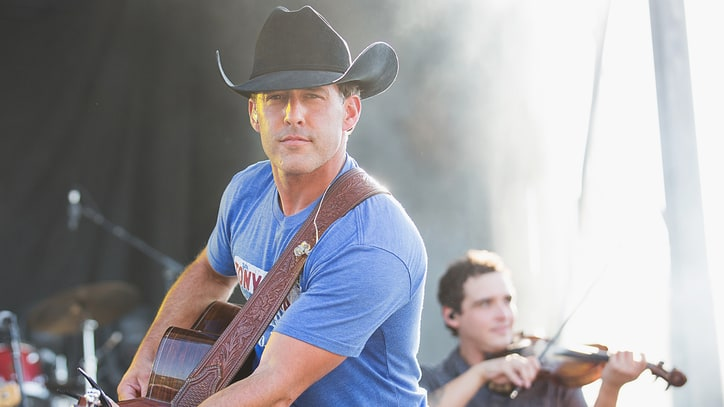 Aaron Watson Talks Nashville Rejection, Previews Texas Hurricane Benefit