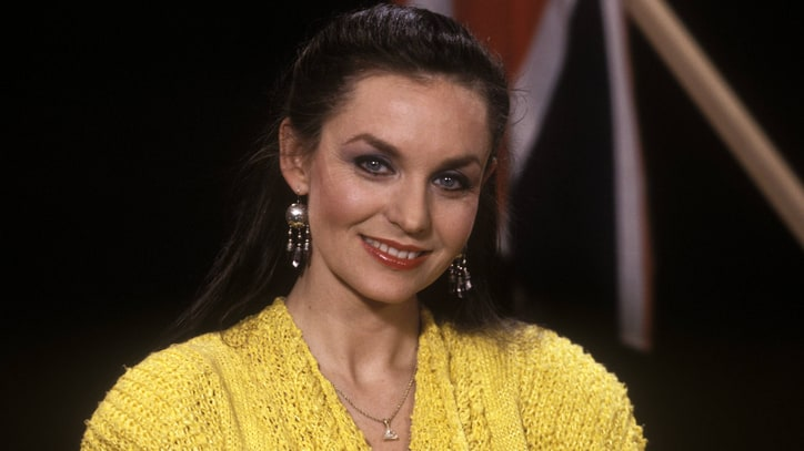 Flashback: Crystal Gayle's 'Brown Eyes Blue' Goes Global