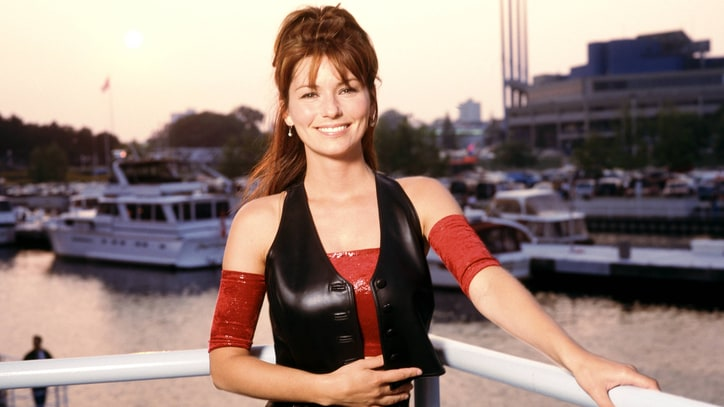 Flashback: Shania Twain Asks 'What Made You Say That' in 1993 Debut